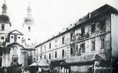 severni fasada Kotců, kol. 1890 - Divadlo v Kotcích