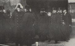 před týnským chrámem - Světozor 11.12.1914