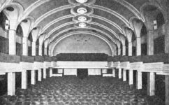 - Divadelní architektura