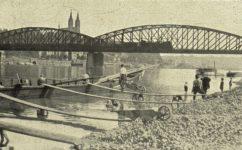 nábřeží pod žel. mostem -  Český svět 06.06.1929