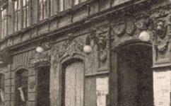 před úpravou, 1922 - Kudy všudy za divadlem