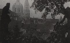 z Vrtbovské zahrady - Český svět 25.05.1917